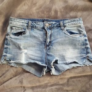 STS Blue denim shorts - size 28